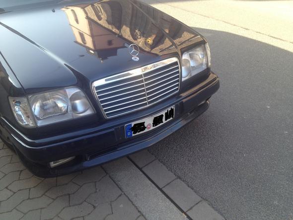 bild1 - (Auto, Unfall, Mercedes-Benz)