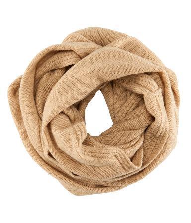 Beiger Schal   (Kleidung, Farbe, Blau)