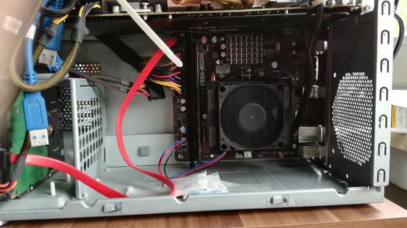 Unter dem Lüfter 3 cm Platz und drüber 6 cm platz - (Computer, Prozessor, AMD)