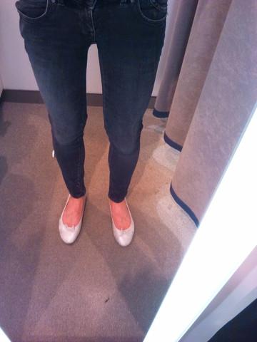 Passt das Outfit zusammen (Skinny+Stiefel/Ballerinas)?