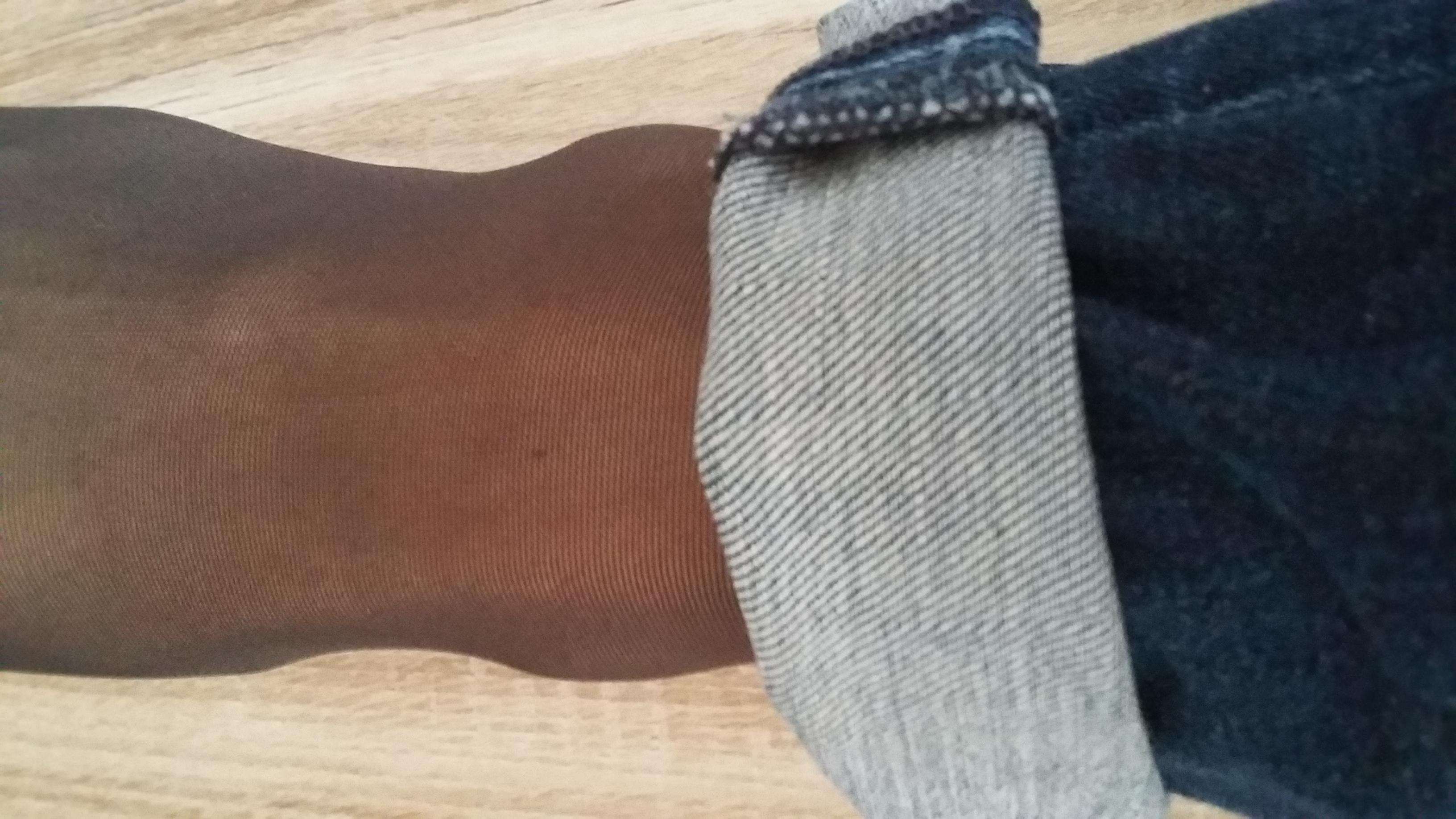 passt diese farbe zur bluejeans shorts oder w rdet ihr eine hautfarbene oder schwarze. Black Bedroom Furniture Sets. Home Design Ideas