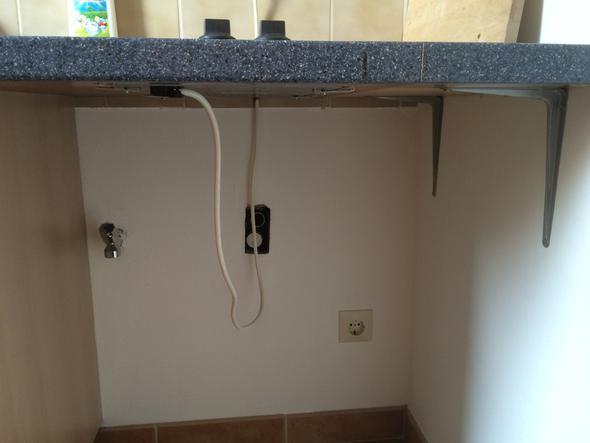 Der komplette Bereich für die Waschmaschine - (Küche, Waschmaschine, arbeitsplatte)