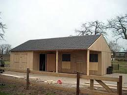 pferde halten zuhause stall. Black Bedroom Furniture Sets. Home Design Ideas