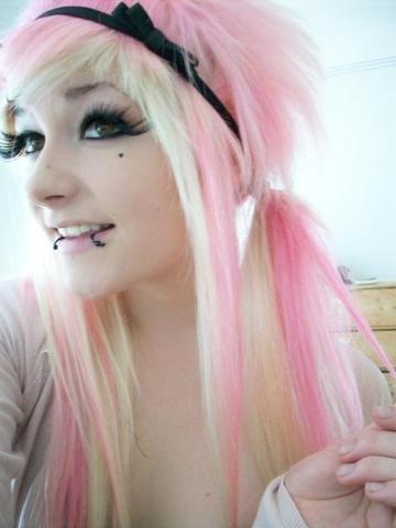 Pink Blonde Haare Jugendliche Ungewöhnlich