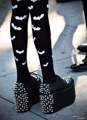 Schuhe  - (Schuhe, schwarz, nieten)