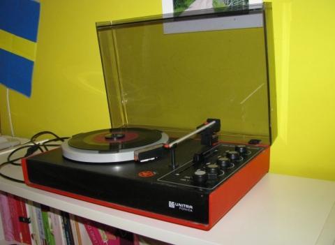 Plattenspieler bringt mehr Rauschen als Musik
