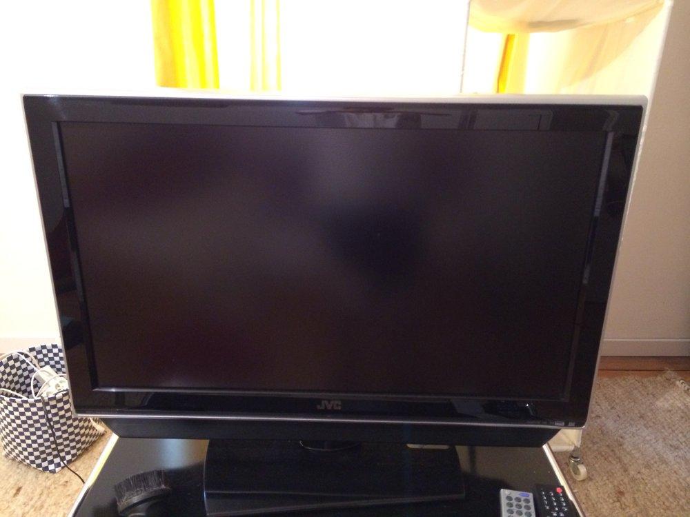 playstation 4 kaufen lohnt es sich mit jvc fernseher. Black Bedroom Furniture Sets. Home Design Ideas