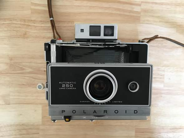 Polaroid Automatic 250 Land Camera Fotopapier?