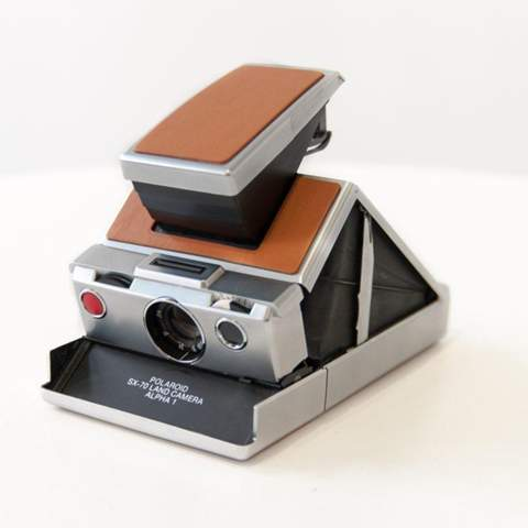 Polaroid SX-70 Alpha (1)?