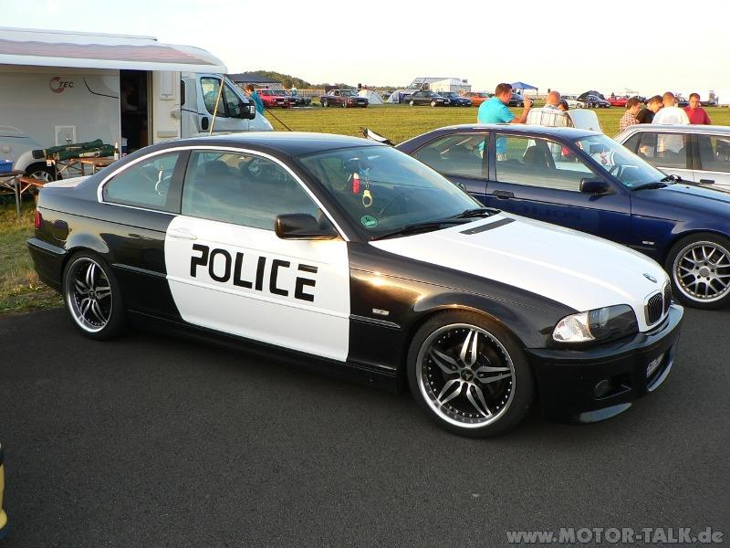 police aufkleber auf auto legal recht gesetz polizei. Black Bedroom Furniture Sets. Home Design Ideas