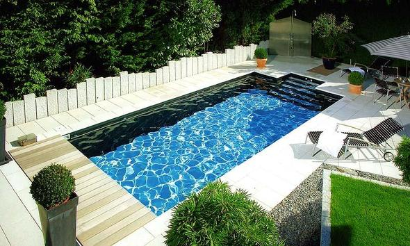 pool im garten foto schwimmen schwimmbad. Black Bedroom Furniture Sets. Home Design Ideas