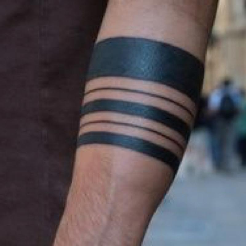 maori tattoo oberarm