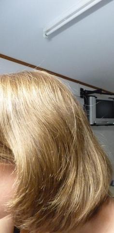 Problem Mit Nachwachsenden Sich Kräuselnden Haaren Nach Haarausfall