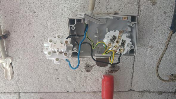 Problem Mit Schaltersteckdosen Kombination An 3 Adriger Leitung