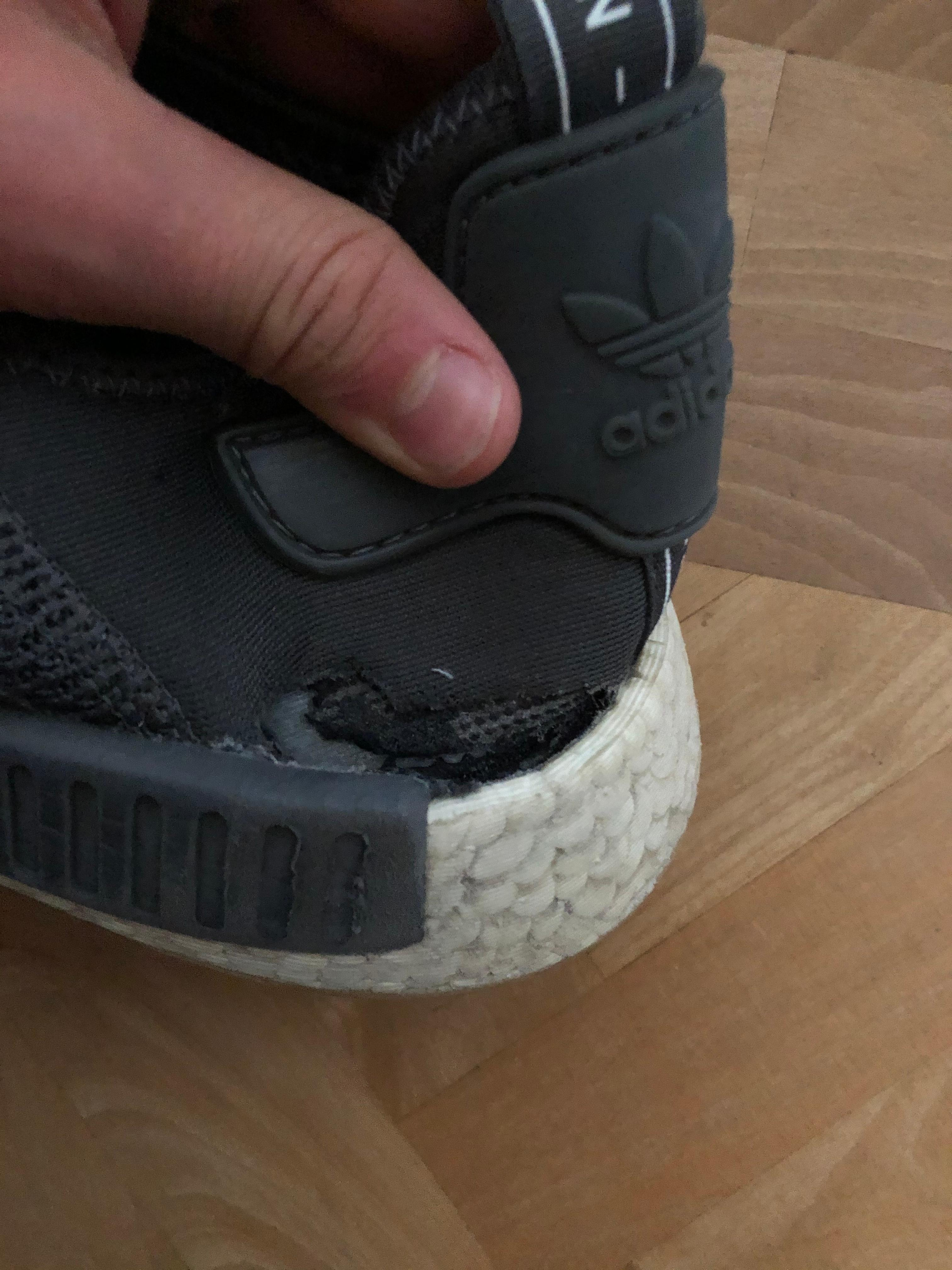 Produktionsfehler bei Adidas NMDs? (Schuhe, Sneaker