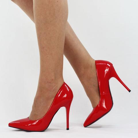 Pumps Bei Schwarzem Kleid Mode Schuhe Outfit
