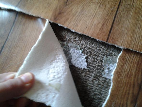 pvc boden kleber vom teppich entfernen wohnung renovierung renovieren. Black Bedroom Furniture Sets. Home Design Ideas
