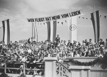 Diesen Szene suche ich - (Nationalsozialismus, Drittes Reich, Propaganda)