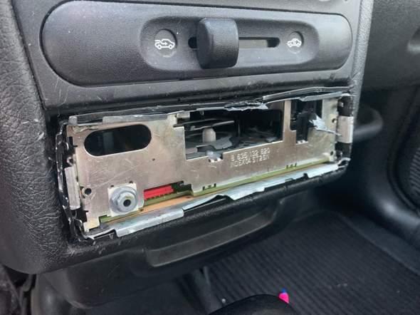 Radio geht nicht aus Opel corsa b?