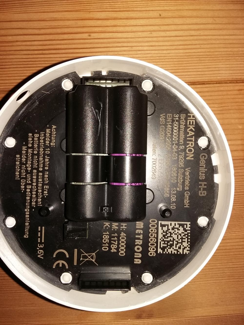 rauchmelder geht nicht mehr und batterien nicht auswechselbar kaputt technik. Black Bedroom Furniture Sets. Home Design Ideas