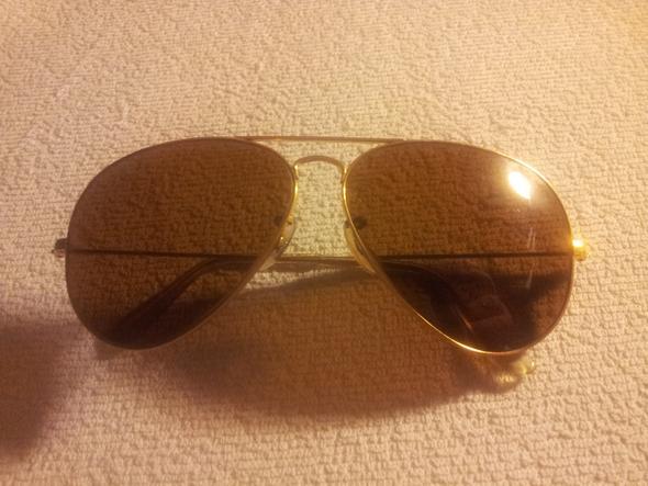 Ray Ban Pilotenbrille,  weiß jemand wo man so eine Brille schätzen lassen kann?