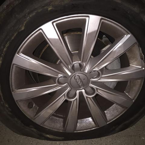 Rechts  - (Reifen, Felgen, kapput)