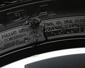 Reifen - (Auto, Reifen, Straßenverkehr)