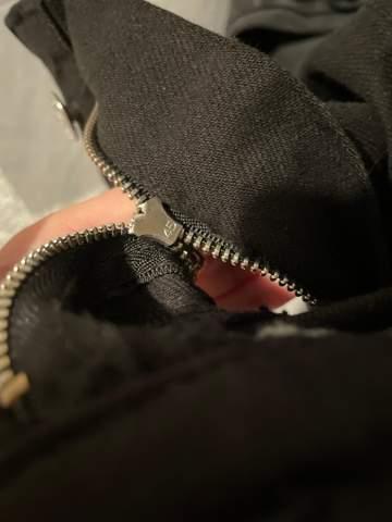 Reißverschluss einer Jeans kaputt?