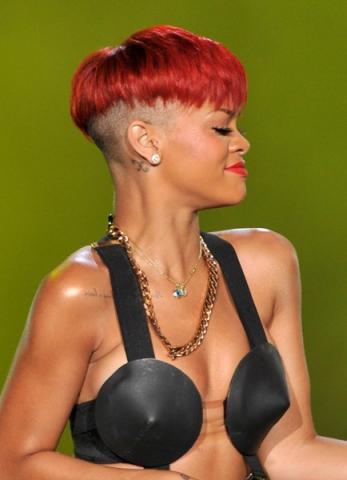 rihannas rote haare 1 - (Frisur, Tochter, Rihanna)