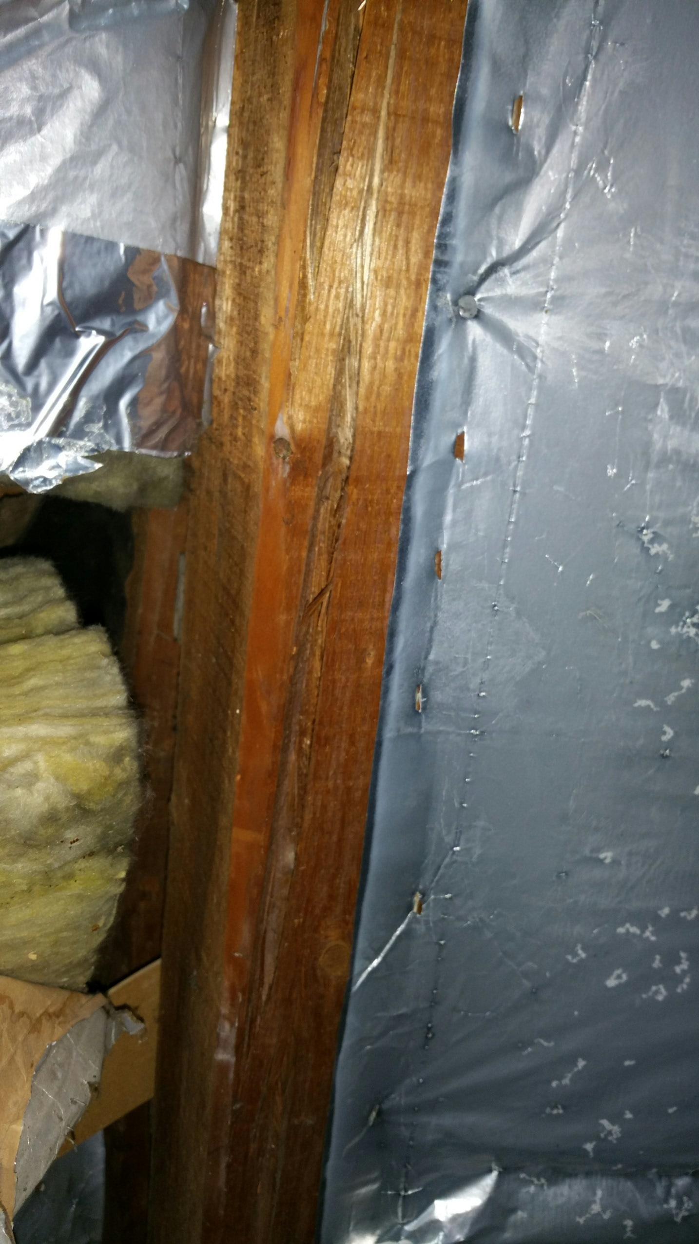 Risse In Holzbalken Auf Dem Dach Haus Riss Dachstuhl