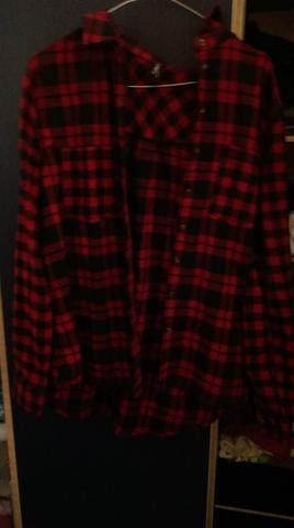 rot schwarz kariertes hemd von new yorker wie tr gr man das mode oberteil damenkleidung. Black Bedroom Furniture Sets. Home Design Ideas