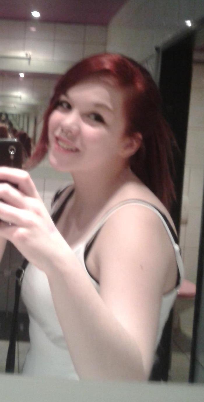 Rote haare, welche farbe passt dazu? kleidung! (kombinieren)