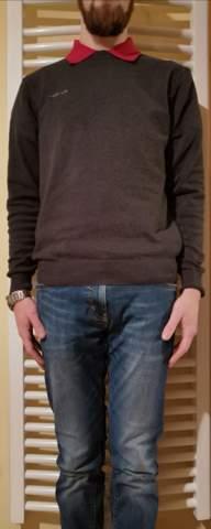 Rotes Poloshirt unter grauem Pullover für Date chic oder eher überzogen?