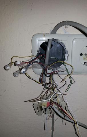 Router an andere Telefondose anschließen (von Keller in ...