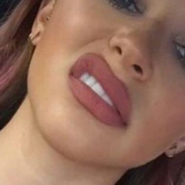 Sas ist das für eine Lippenstift Farbe?
