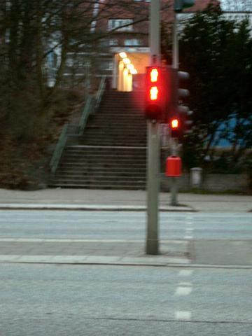 Wartet ihr abends bei roten Ampeln?! - (Erziehung, rot, Ampel)