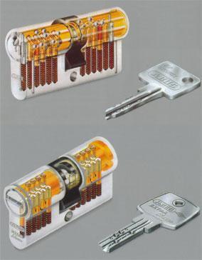 Pins - (Schlüssel, Schloss, Koffer)