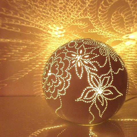 schmilzt eine lampe aus styropor elektronik basteln licht. Black Bedroom Furniture Sets. Home Design Ideas