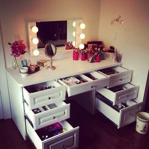 Ikea Einrichtungsplaner Jugendzimmer : Ikea Schreibtisch Verkaufen ~ Schöne Schminktische für Beauty Queens