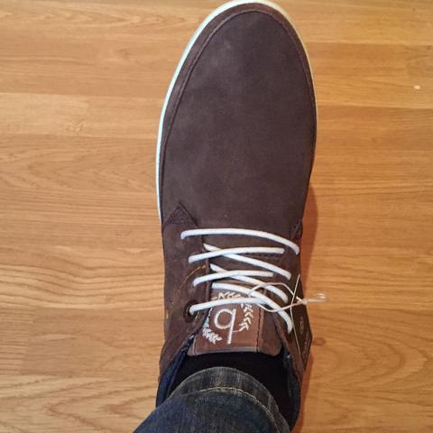 Schuhe Schnüren Ohne Schleife : schn rt man die schuhe berhaupt und wenn wie neu ~ Frokenaadalensverden.com Haus und Dekorationen