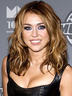 Schöne Locken Bekommen Wie Im Film Lol Bei Miley Cyrus Haare Frisur