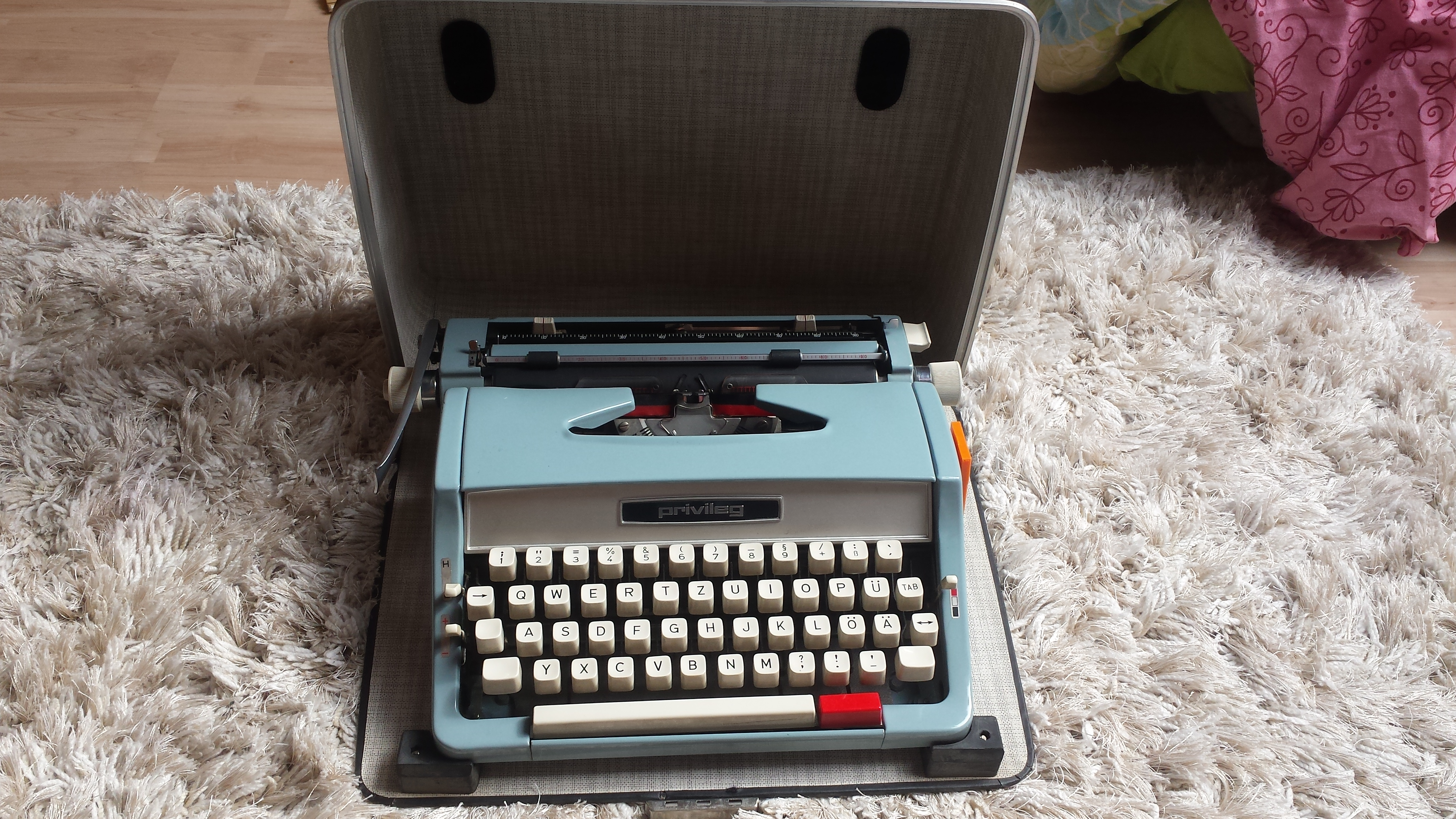 Schreibmaschinenexperten - Welches Modell ist das und ...