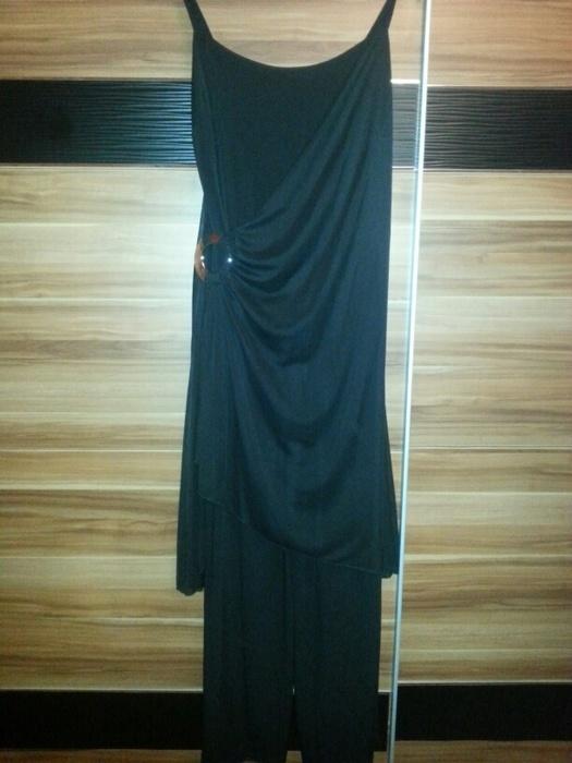 schwarzes hosenkleid auf standesamtlicher hochzeit erlabt kleidung schwarz. Black Bedroom Furniture Sets. Home Design Ideas