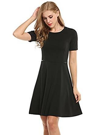 Schwarzes Kleid als Gast bei standesamtlicher Trauung