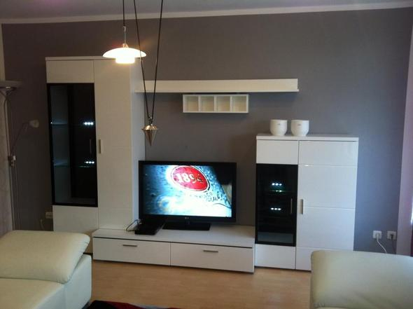 rauhfaser blasen nach streichen. Black Bedroom Furniture Sets. Home Design Ideas