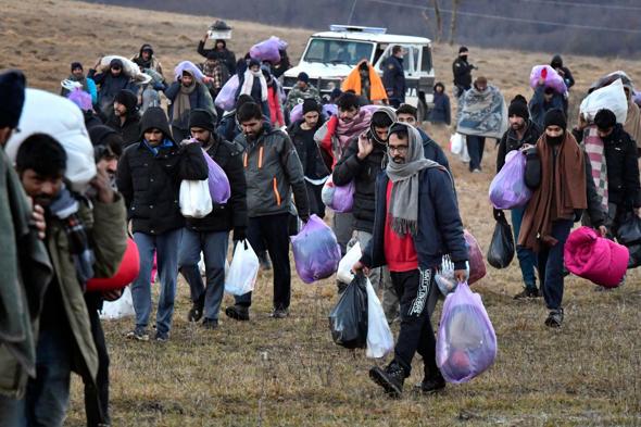 Seehofer erwartet bis zu fünf Millionen weitere afghanische Flüchtlinge, wie viele sollen wir aufnehmen?