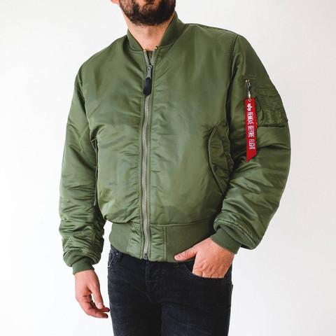 Seh ich wie ein Nazi aus mit der Jacke?