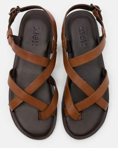 Servus was meint ihr diese sandalen fürn sommer kaufen will welche die nicht so für ältere leute aussehen bin 23? Bitte um rat?