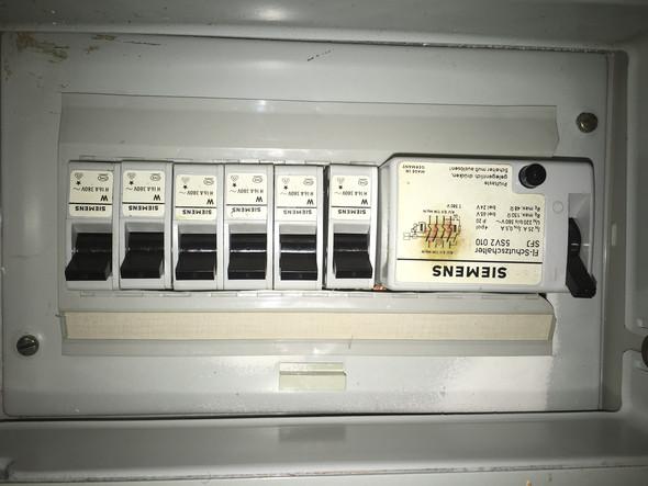 Beliebt Sicherungen erneuern. Wer zahlt? (Mietrecht, Strom, Vermieter) IF25