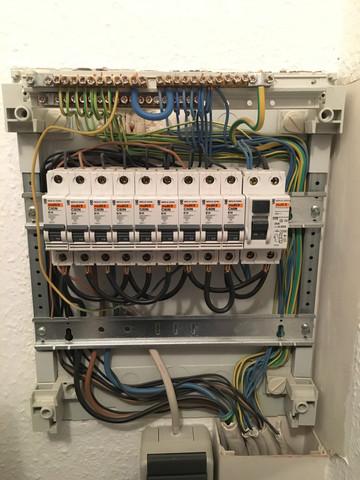 Sicherungskasten - (Elektrik, Stromanschluß)